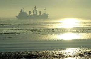 Nordsee Winter Schnee Eis Schiff Schiffe Wetter Landschaft Meer See Strand Wirtschaft Sonne Frachter