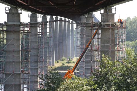 Bauarbeiten an der Rader Hochbrücke