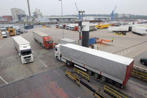 Die Ro-pax-Fähre - Regina Seaways - kommt aus dem litauischen Klaipeda