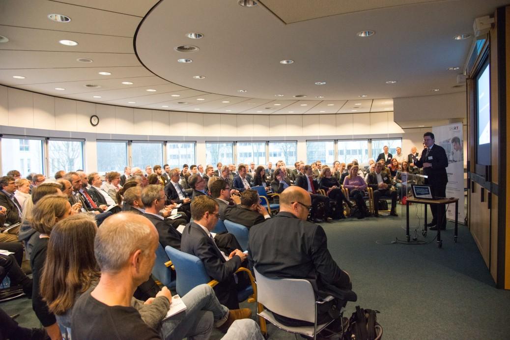 Förderbescheidübergabe (von links) Innovations- und Technologieforum