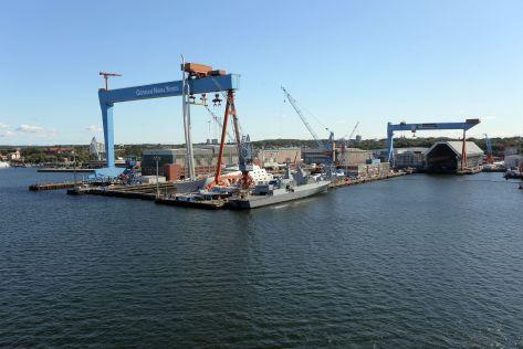 Blick von einem Schiff aus auf die German Naval Yards Holdings GmbH