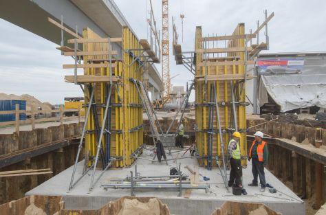 Installation der zweiten Brücke über die Stör im Verlauf der A23 bei Itzehoe
