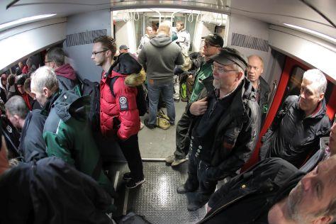 Pendler blockieren in Klanxbüll die Züge der Marschbahn