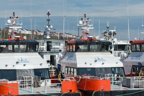 Offshore Versorgungsschiffe im Vorhafen, Helgoland Helgoland
