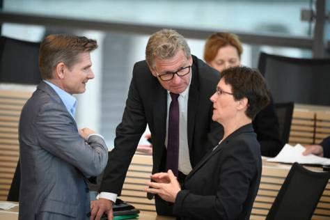 Dr. Heiner Garg (Minister für Soziales, Gesundheit, Jugend, Familie und Senioren), Bernd Buchholz (Minister für Wirtscha